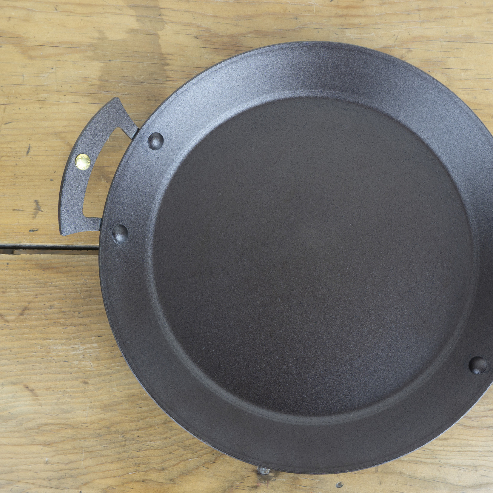 """Hand-spun Iron 10"""" Prospector Pan"""