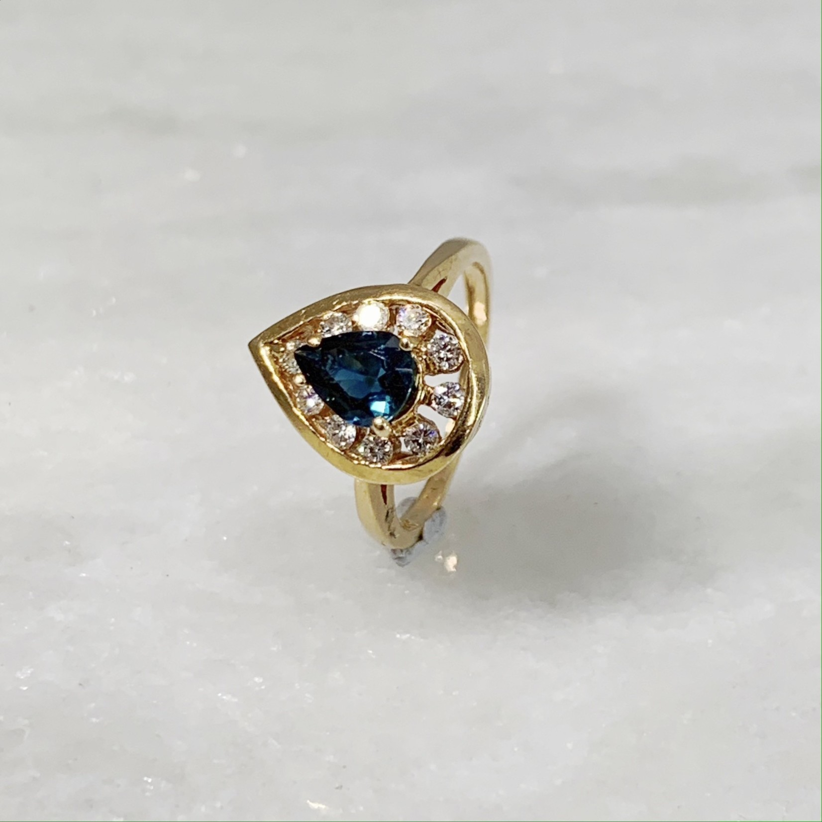 14KY Gold Pear Shaped Sapphire 0.50ctw & Dia 0.30ctw Ring
