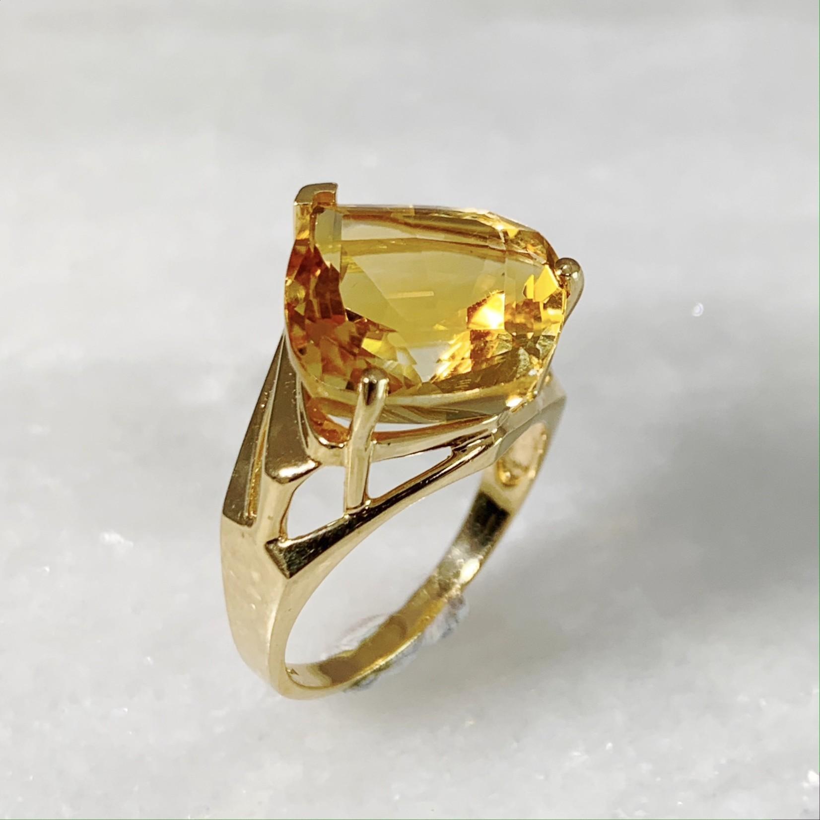 14KY Gold Fancy Shape Citrine Ring