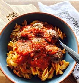 Nela's Kitchen Nelas Kitchen - Pasta & Meatballs
