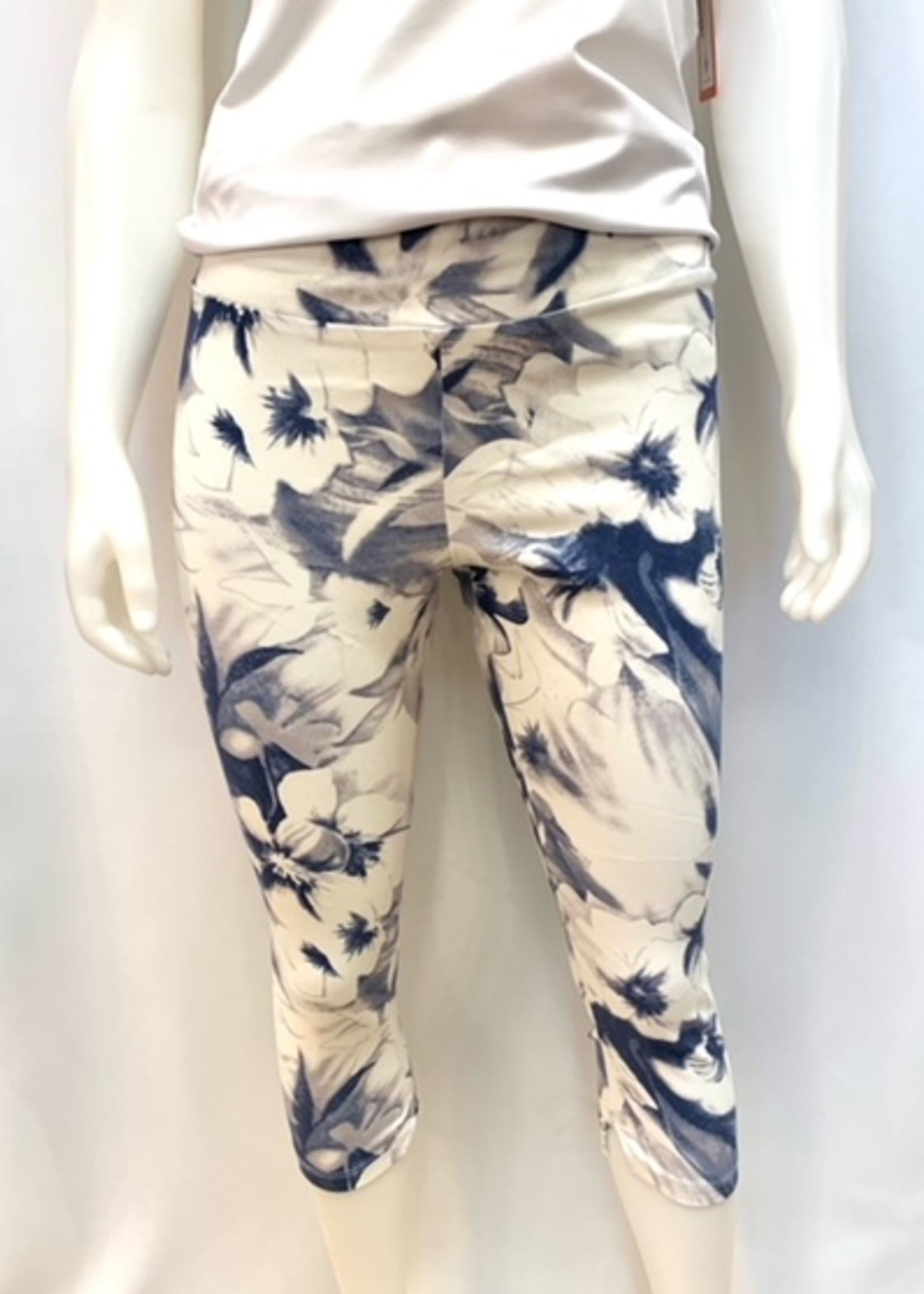Isca Floral capri, comes in three styles