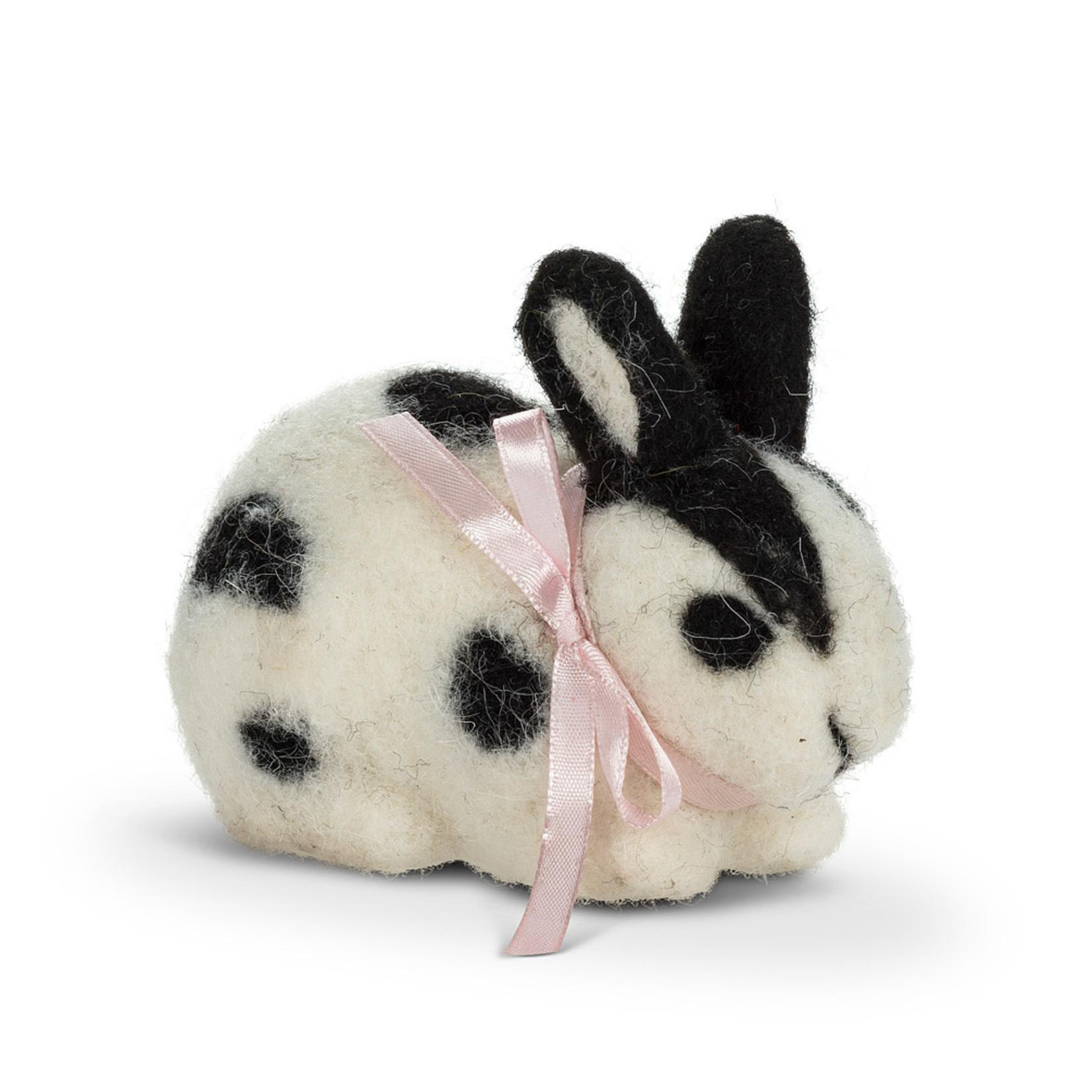 Sm Blk & Wht Sitting Rabbit