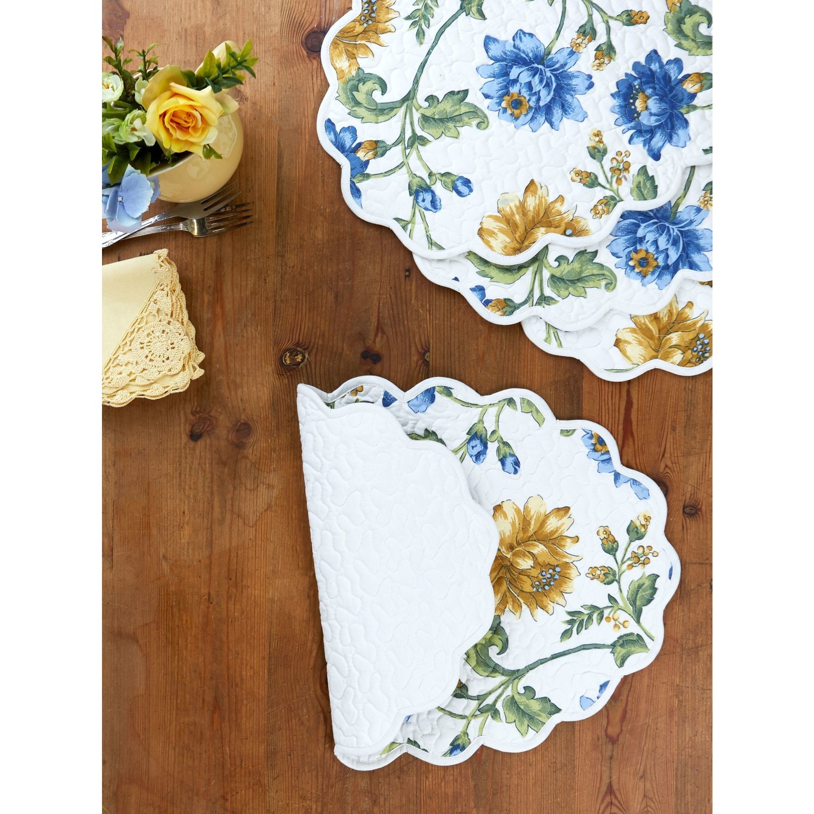 April Cornell Rosehip Quilted Placemat - Ecru