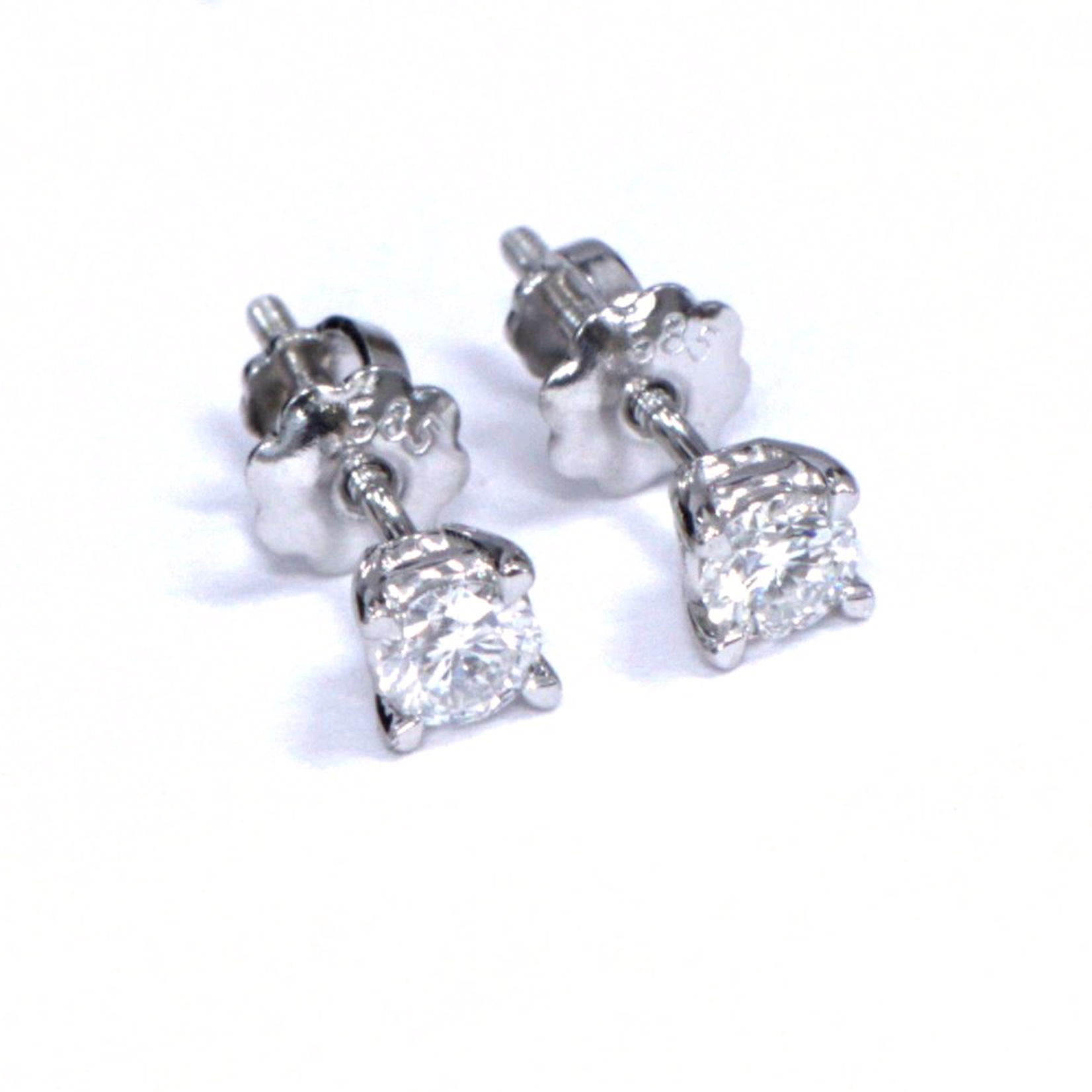 Diamond Stud Earrings 0.30 CTW