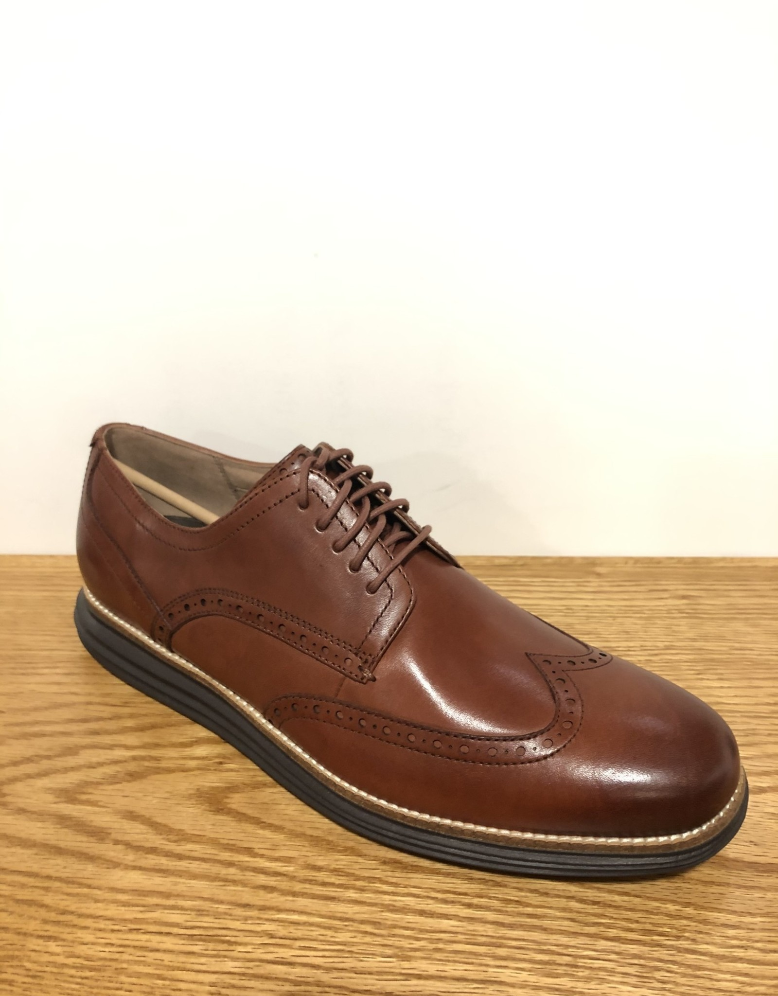 C26472 Woodbury Grand Shortwing Cole Haan