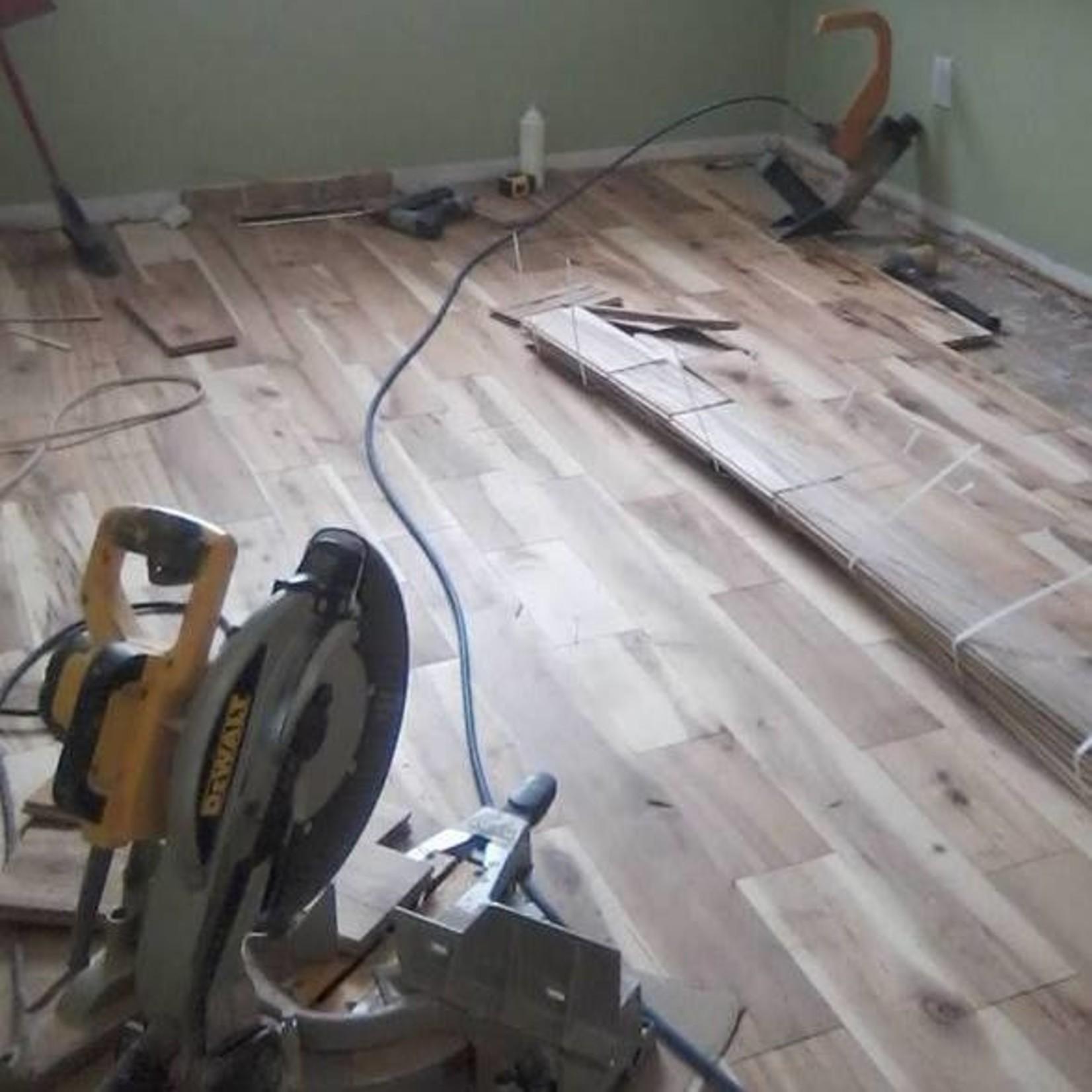 Le Marché du Bois Installation de plancher