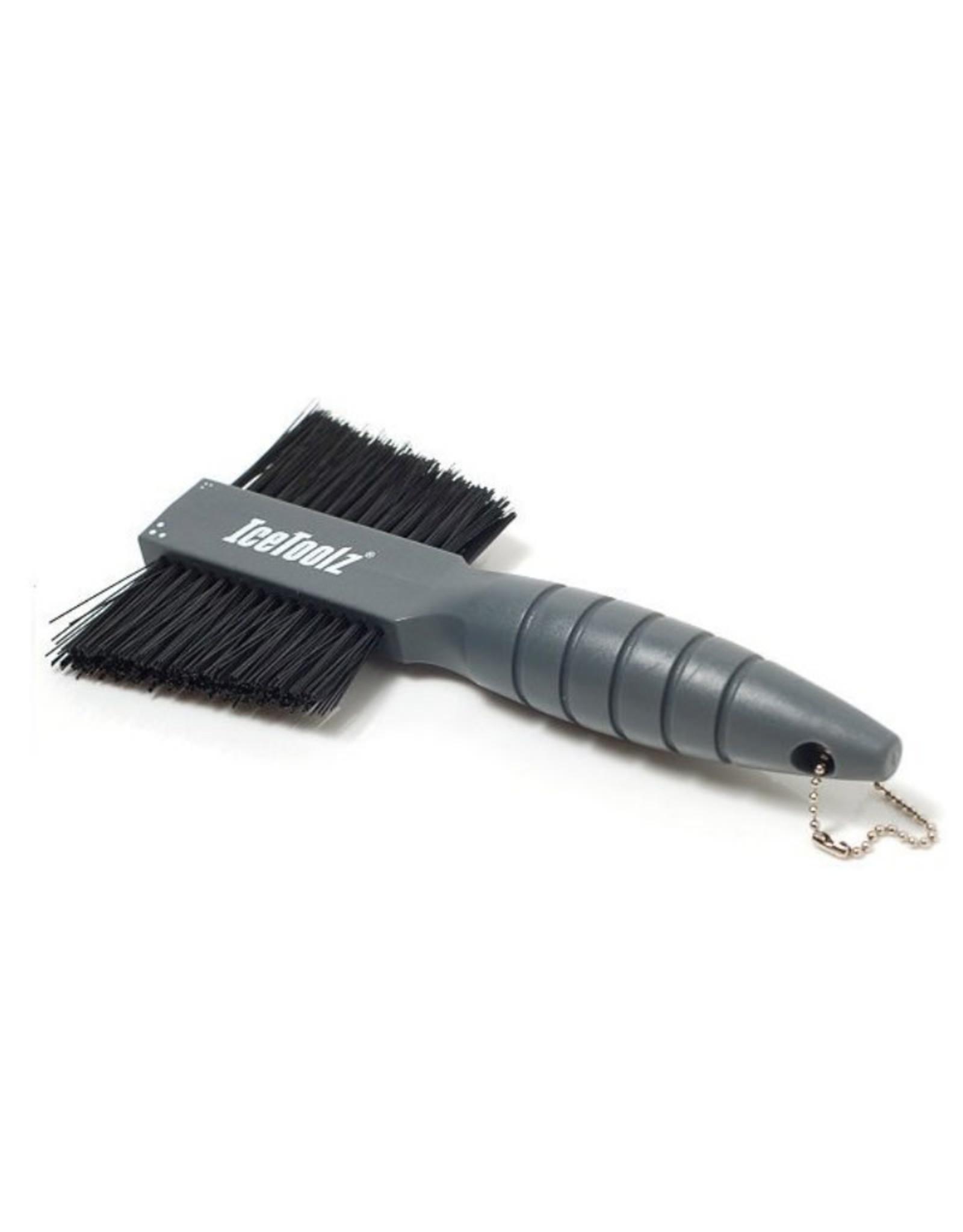 IceToolz Double brush Icetoolz cleaning