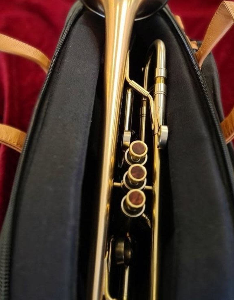 Adams Adams A4 trumpet - gold brass bell of 140mm Large bore, satin lacquer