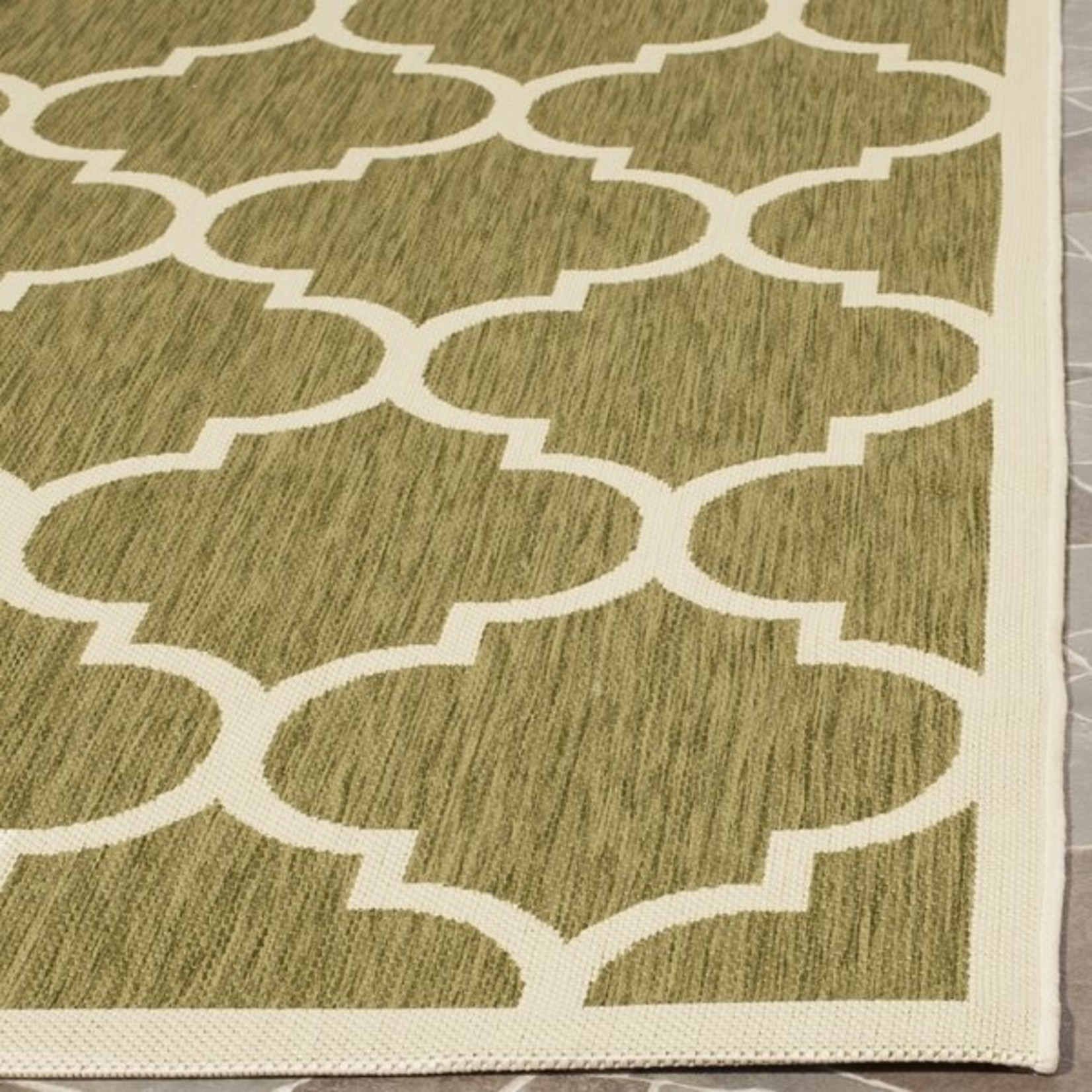 *2'2 x 10' - Herefordshire Geometric Green Indoor/Outdoor Runner
