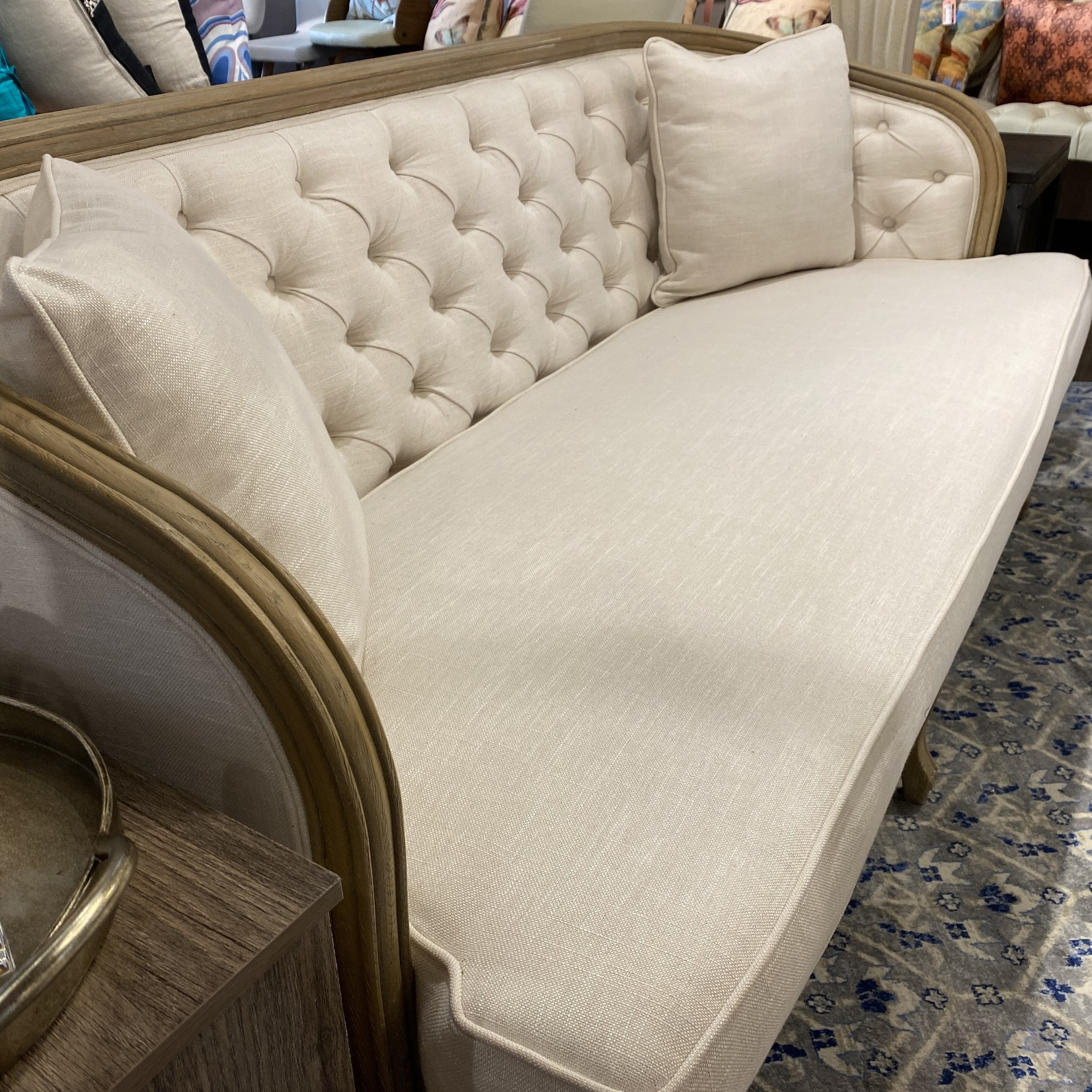 Sofa Tufted Back w/ 2 Cushions (Cream)