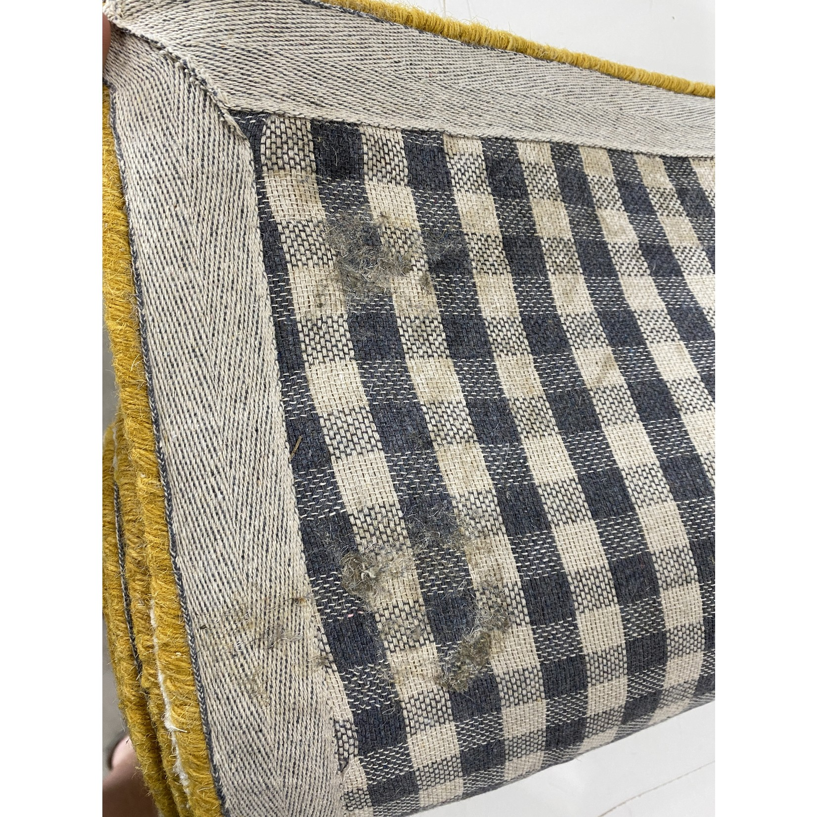 *6' x 9' - Whitchurch Wool Gold/Ivory Area Rug - Dirt on back