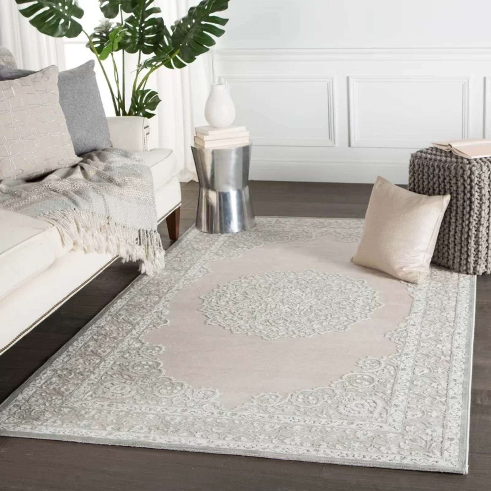 *5' x 7'6 - Trinidad Oriental Ivory/Gray Area Rug