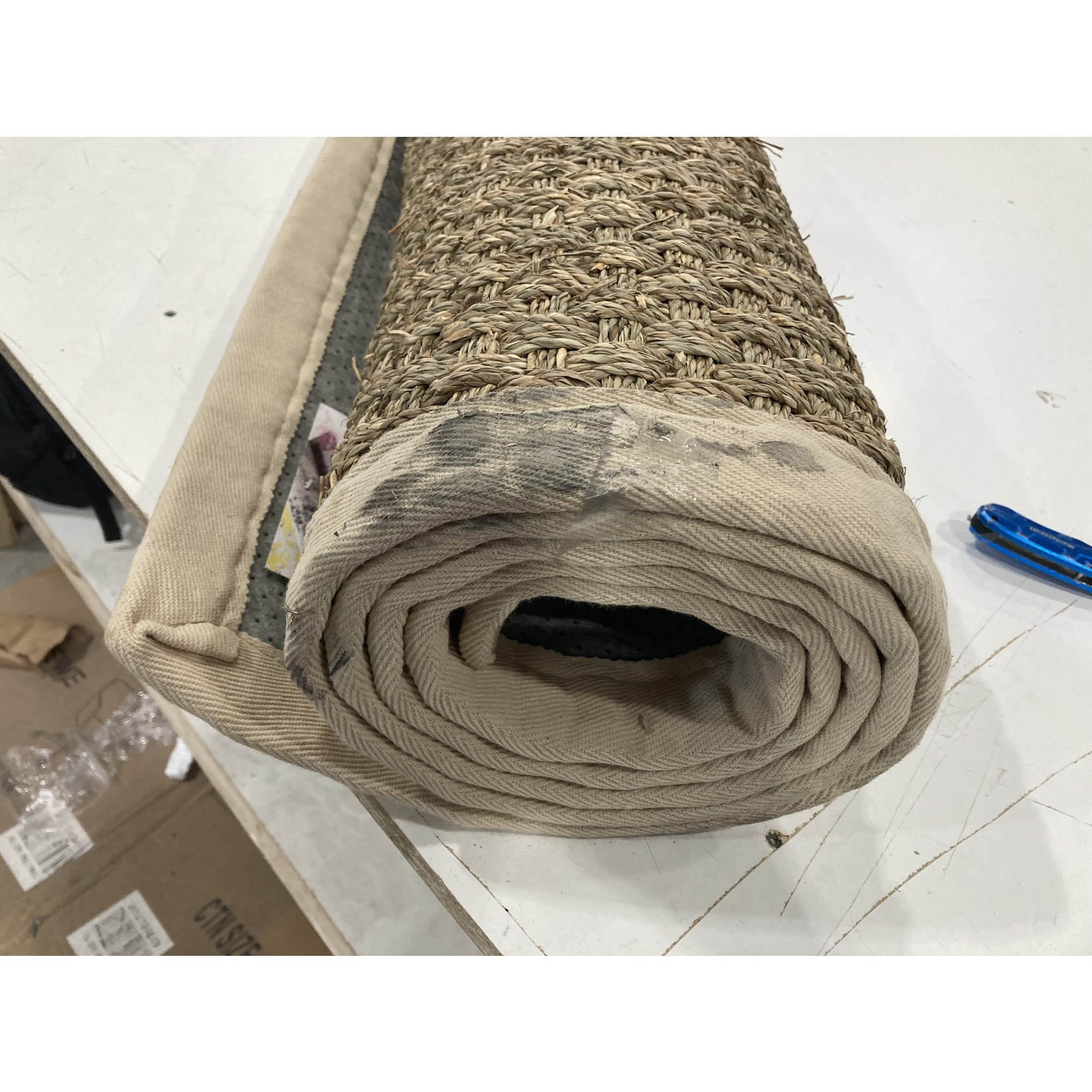 *6' x 9' - Grassmere Natural/Ivory Area Rug - Dirt on edge