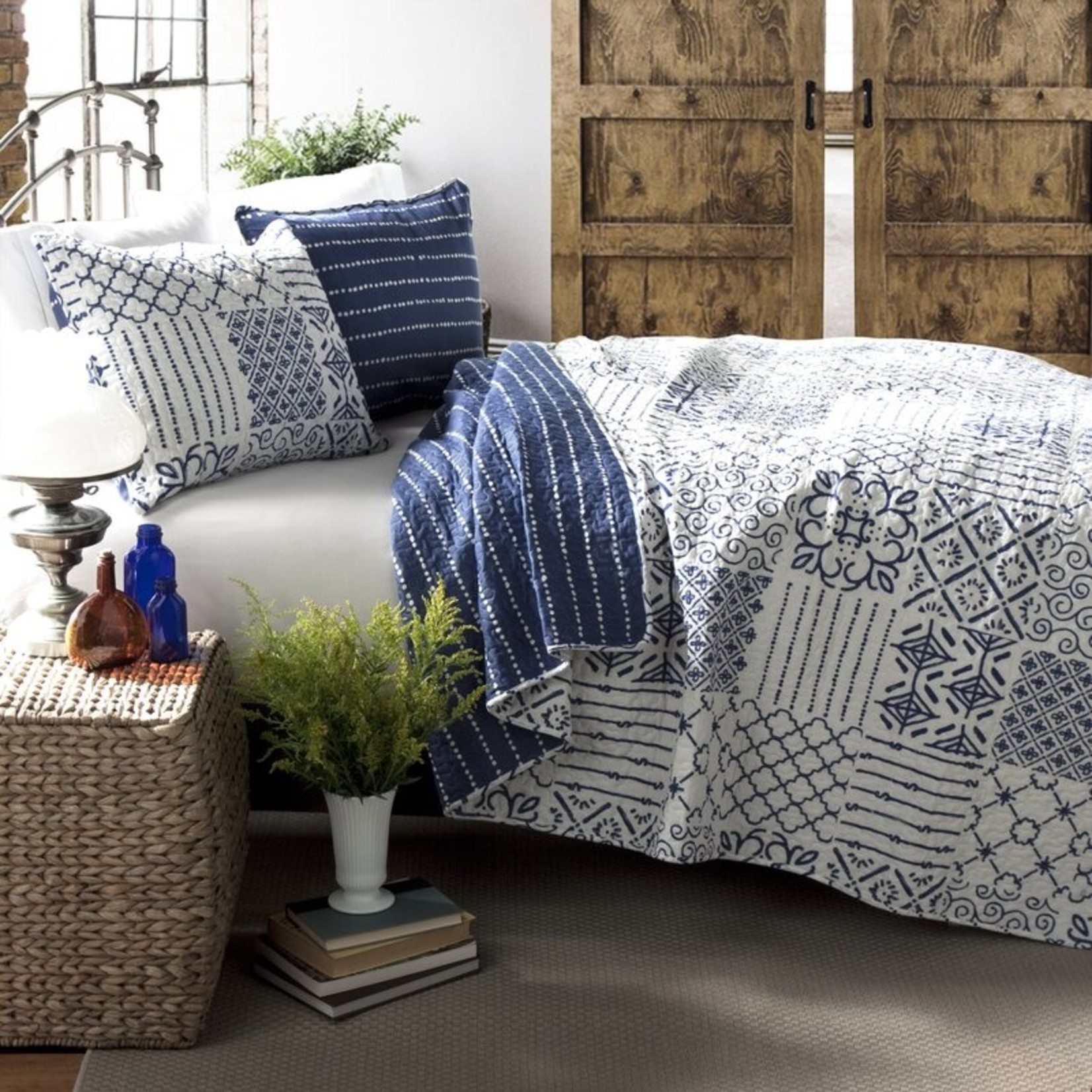 *Full/Queen - Kinzer Reversible Quilt Set - Blue/White - Final Sale