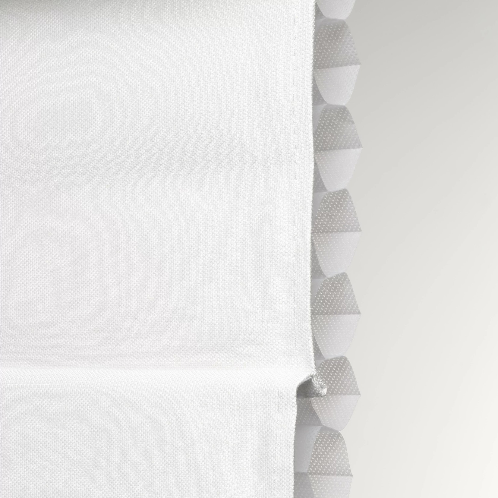 "*Insulating Cordless Blackout Roman Shade - White - 31"" x 72"" - Final Sale"