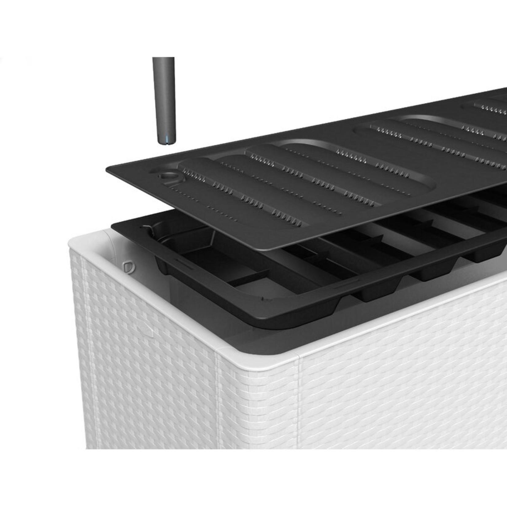 *Isai Self-Watering Plastic Planter Box - white