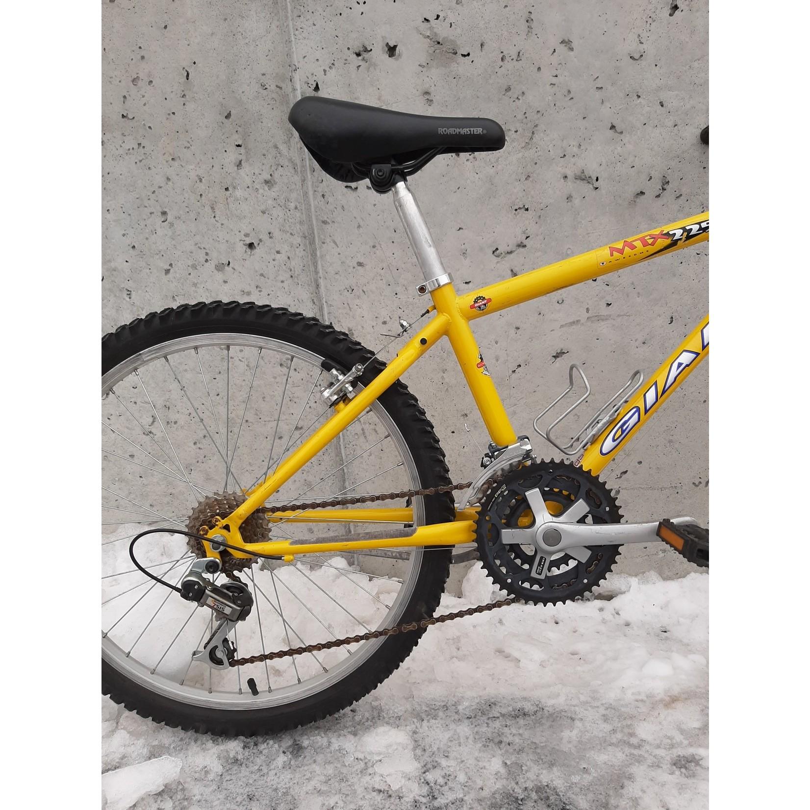 Portland Gear Hub Giant MTX 225 - 21051 - Yellow - 24in Wheel