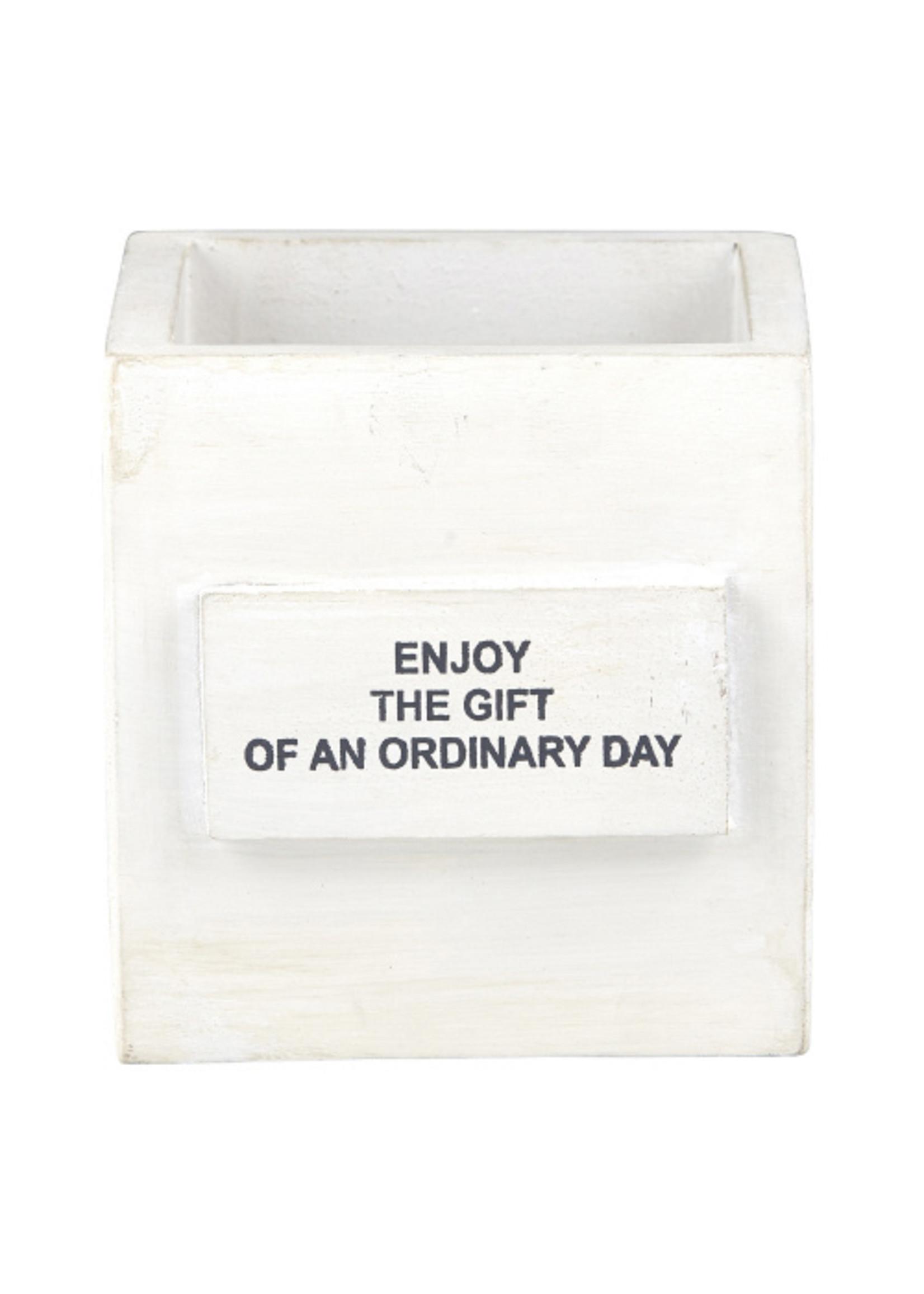 Ordinary Day Nest Box