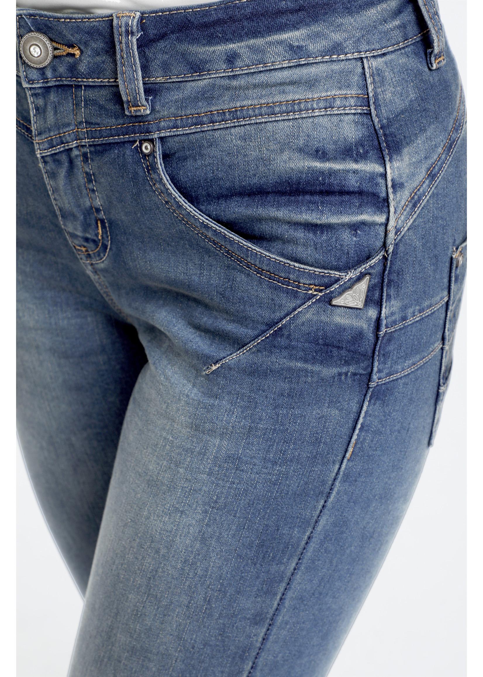 Cream Amalie Jeans Shape Fit