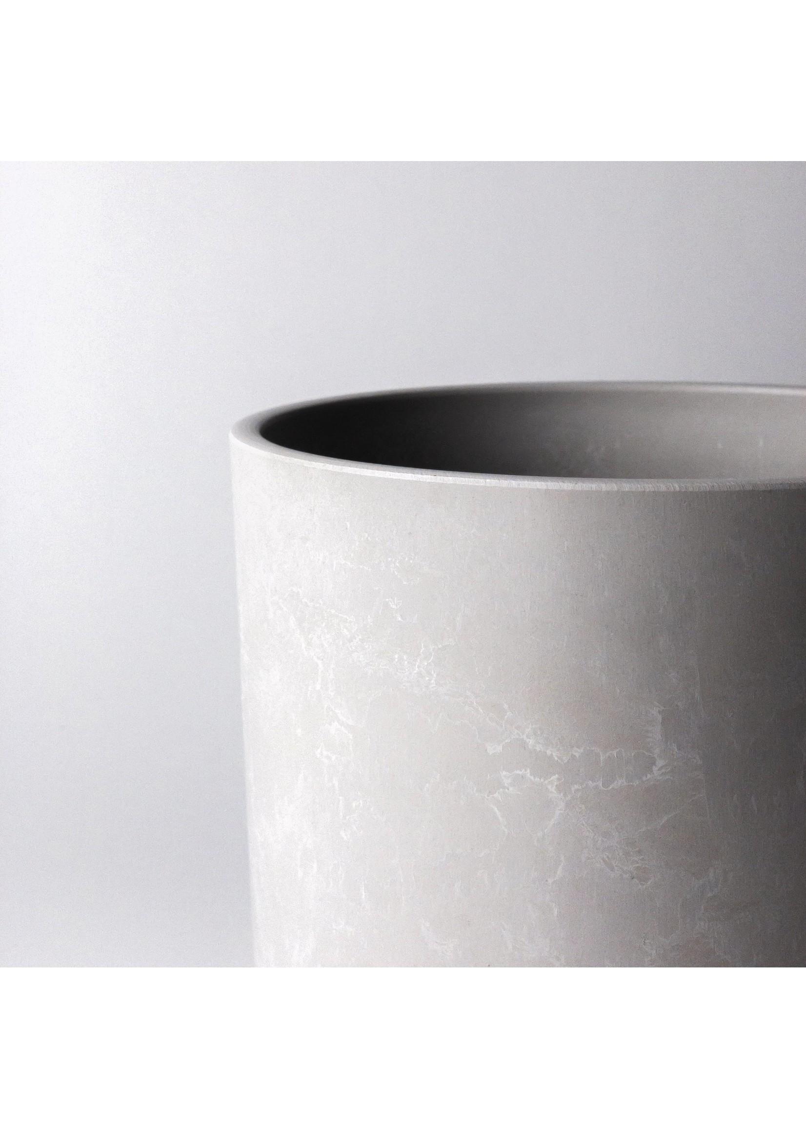 "Kanso Designs Signature Stone Planter - 8"""