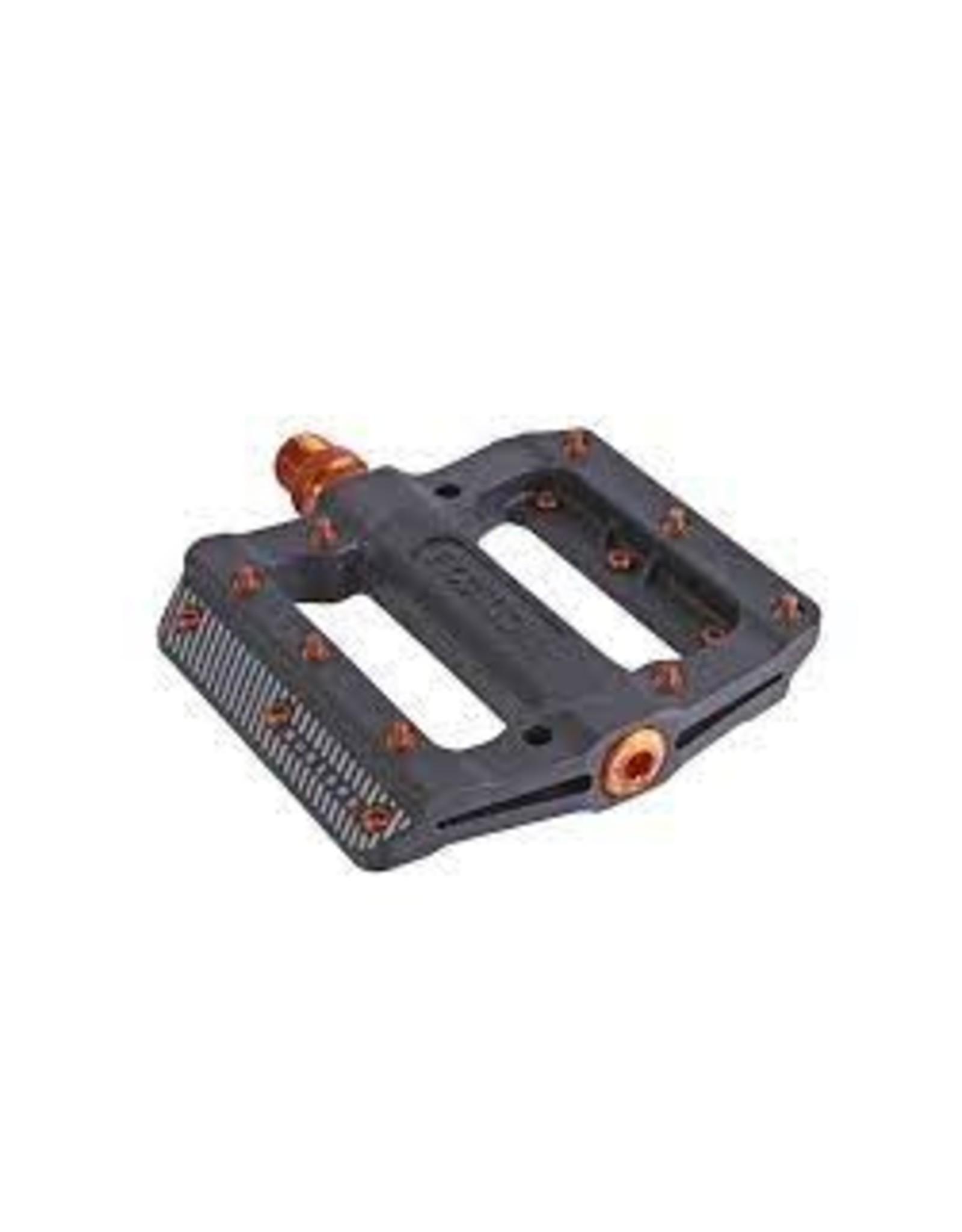 "Fyxation Fyxation Mesa MP Subzero Pedals - Platform, Composite/Plastic, 9/16"", Black/Orange"
