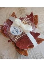maple leaf plates
