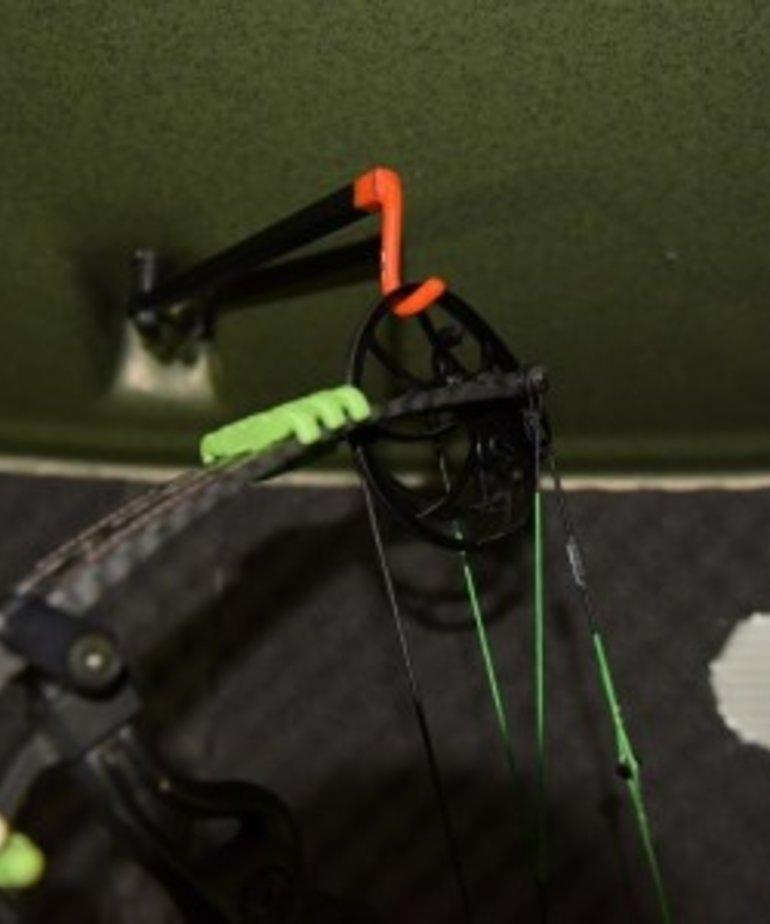 Stump Bow Hanger