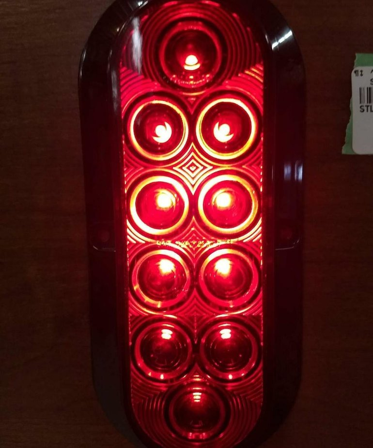 "6"" LED OVAL LIGHT"