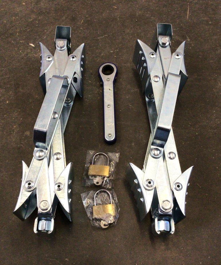Chock & Lock Pair 21-001091