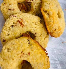 Locally Baked Outlet Locally Baked Outlet - Sundried Tomato Bagels