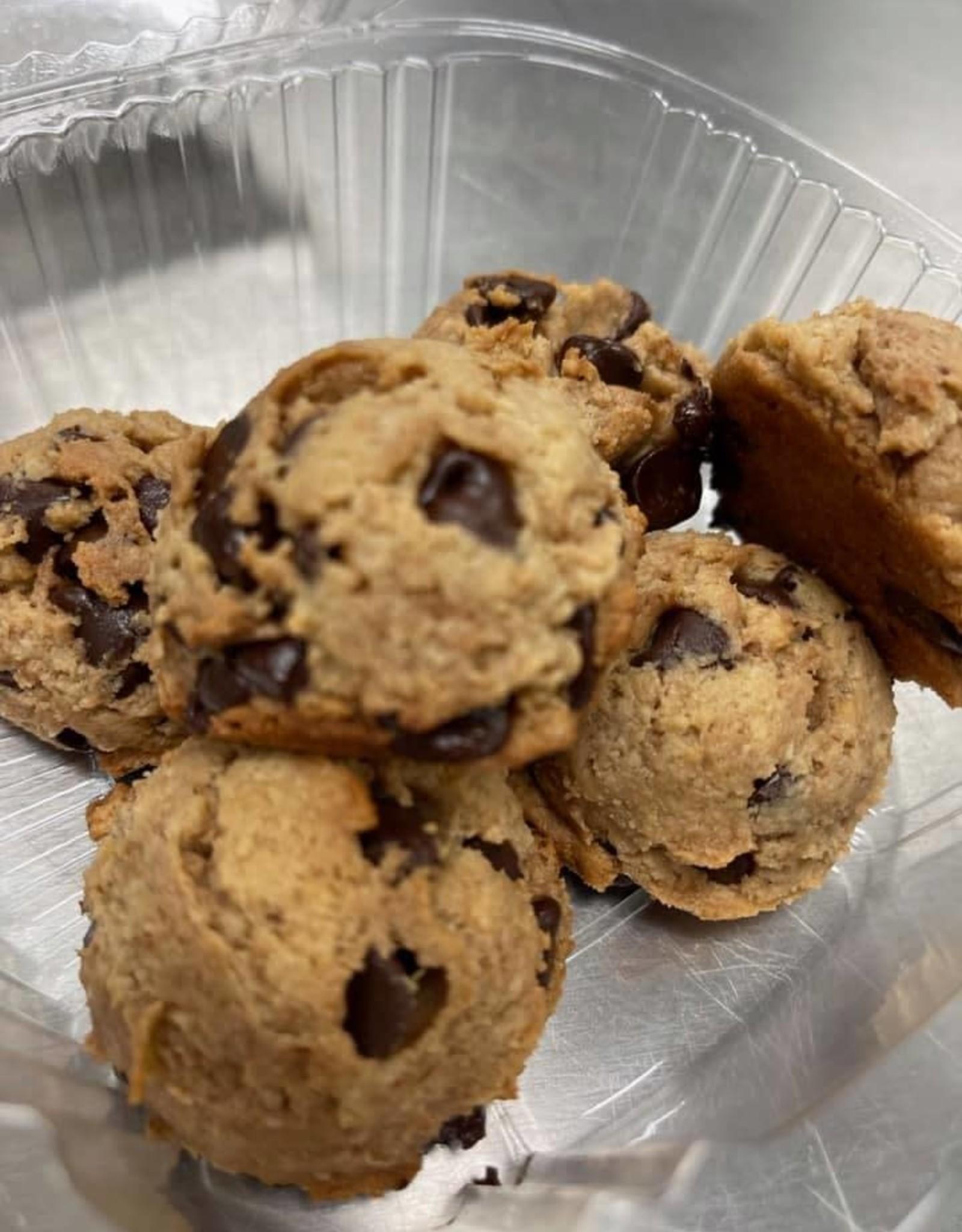 Locally Baked Outlet Locally Baked Outlet - Chocolate Chip Cookies