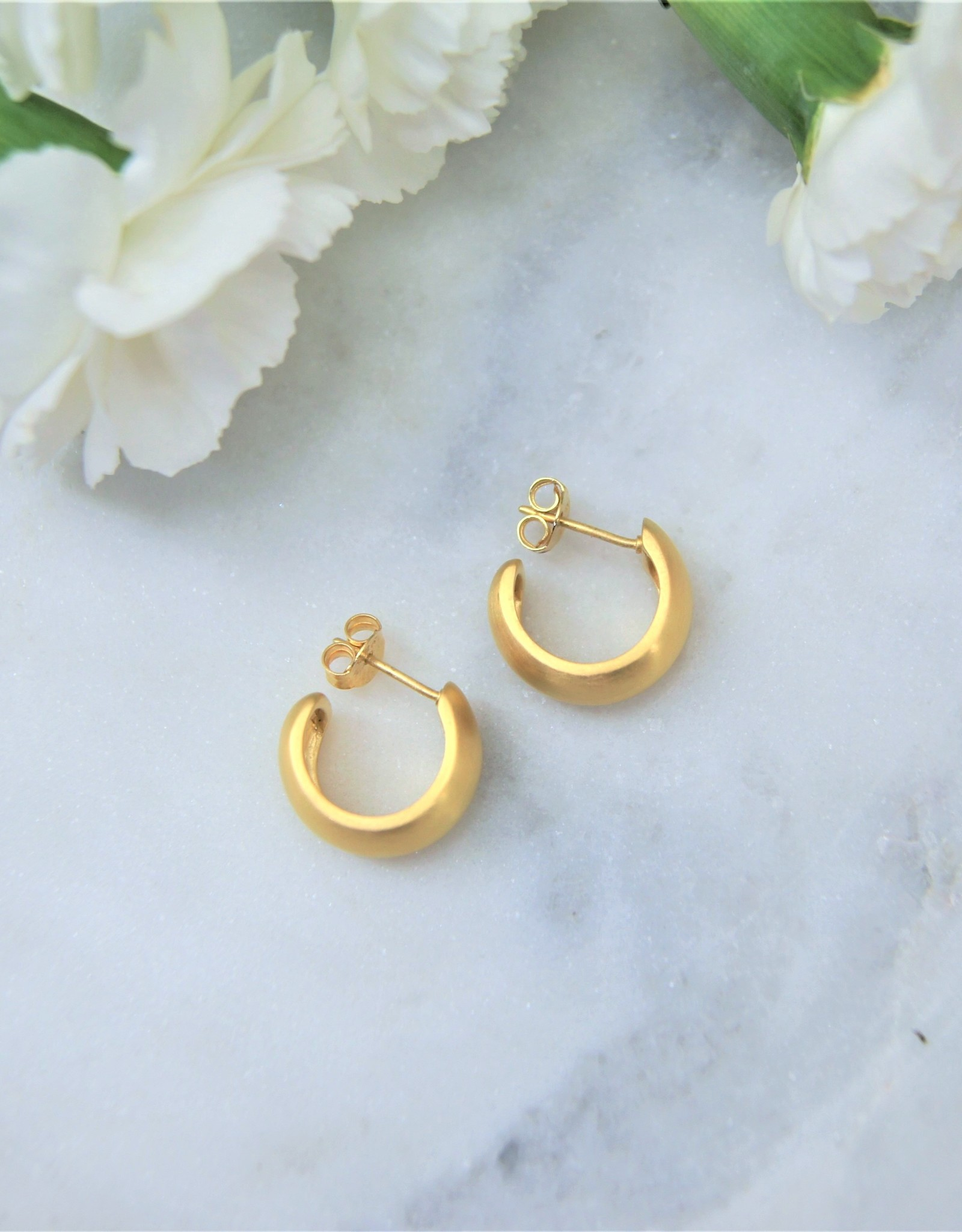 Tashi Small wide Hoop - Brushed Gold Vermeil