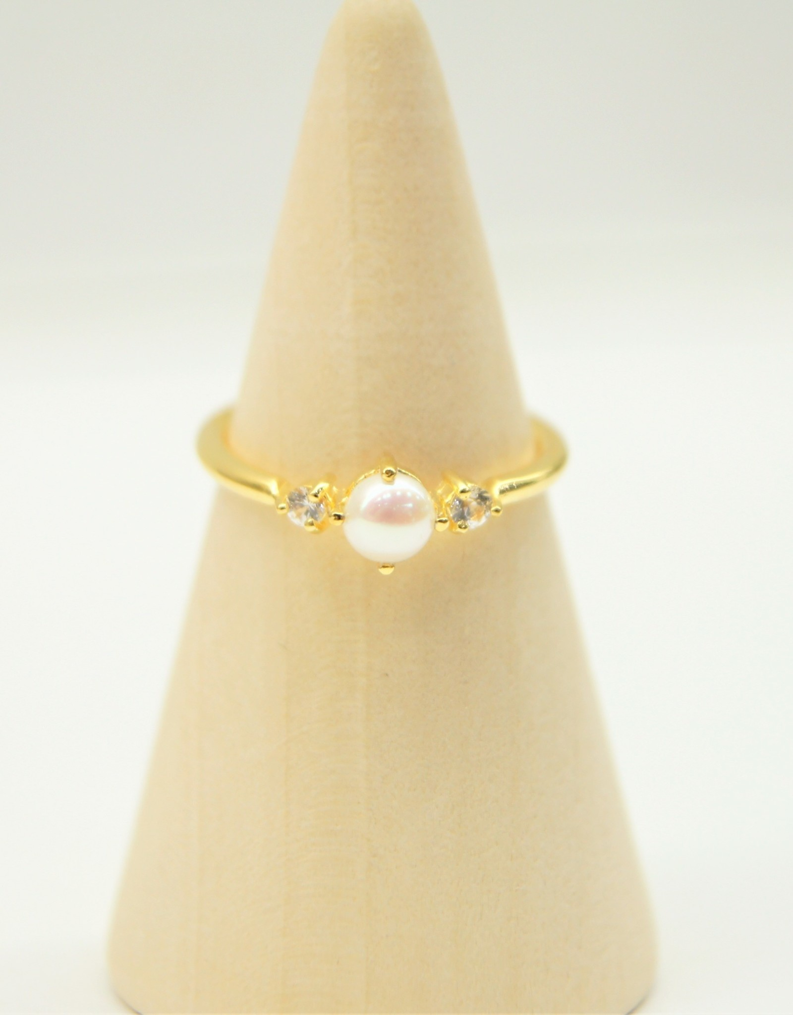 Tashi Pearl with White Sapphire Ring