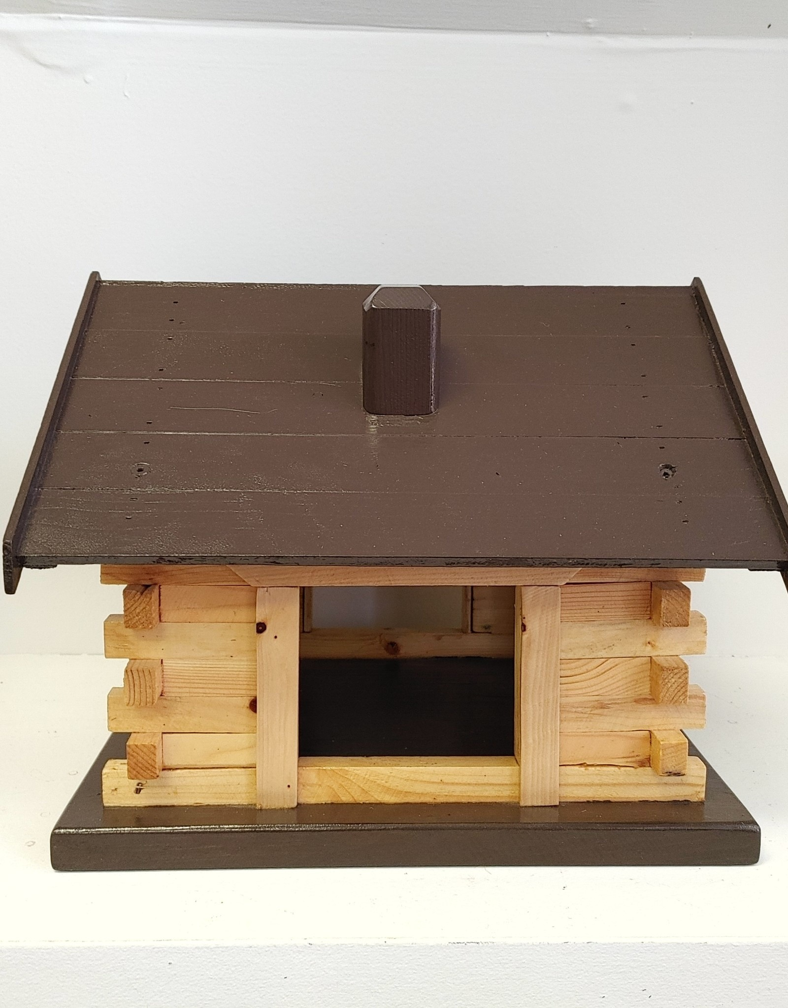 Log Cabin Bird Feeder