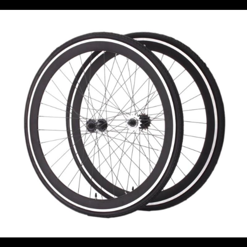 Moose / paire de roue / 700 fixed, freewheel / noire / pneu et pignons inclus