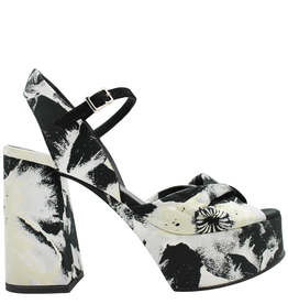 VicMatie VicMatie Flora Black Platform Sandal 8574