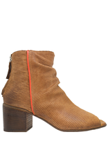 Moma Moma Camel Laser Back Zipper Sandal With Red Detail 9094