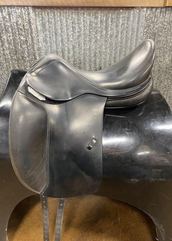 """Consignment Saddle #351 Amerigo Dressage 17"""""""