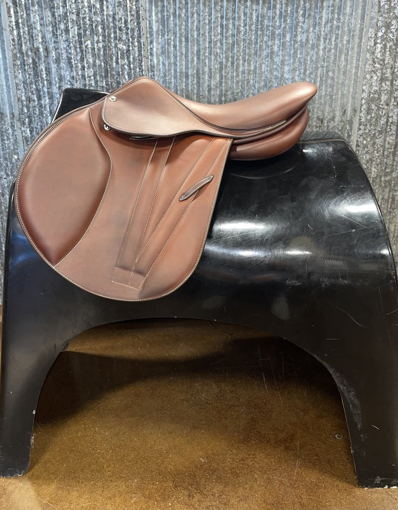 Butet Butet Double Oil Jumping Saddle Premium with Integrated Panels P 16″ 2.5 Flap