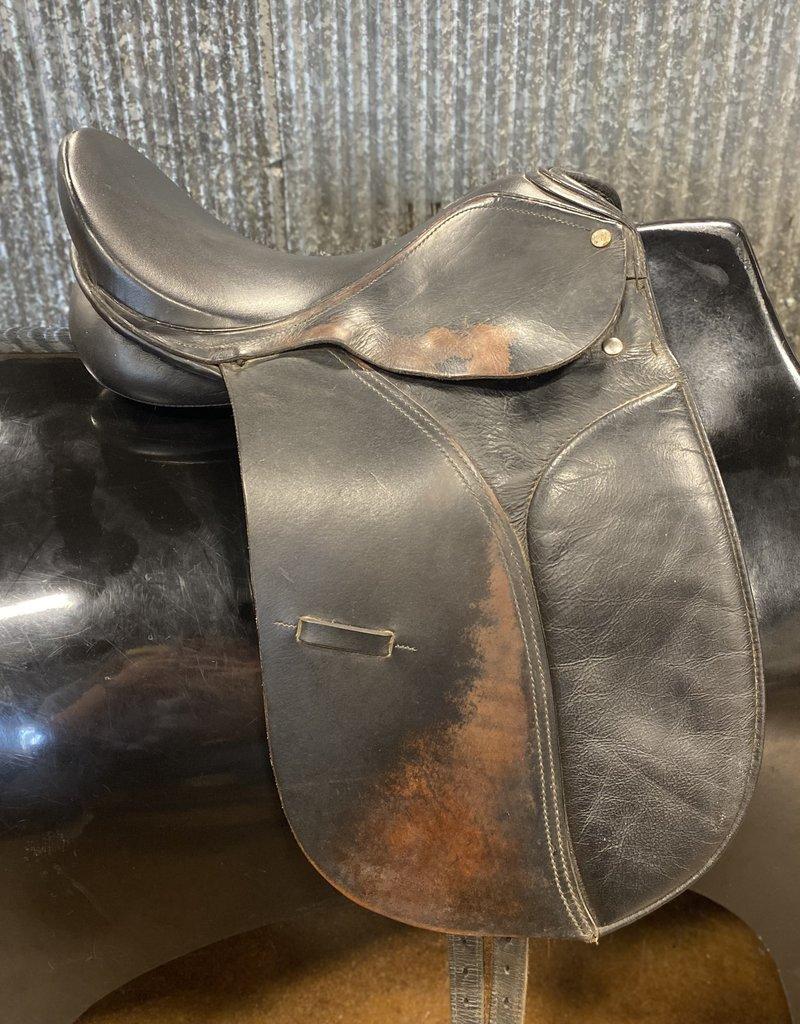 "Consignment Saddle #389 Cambridge International Dressage 16"""