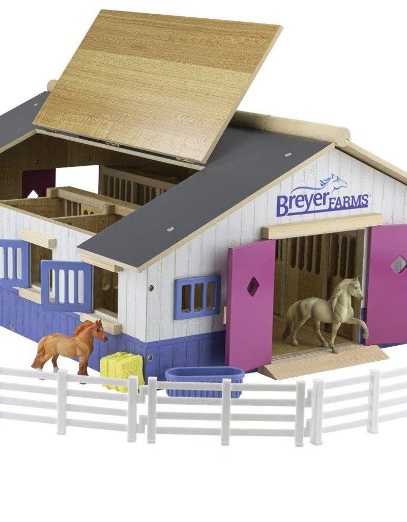 Breyer Breyer Farms Deluxe Wood Stable Playset
