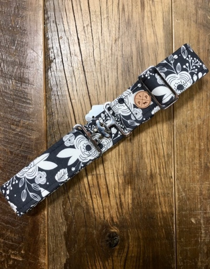 The Posh Pony Black And White Floral Cloth Belt