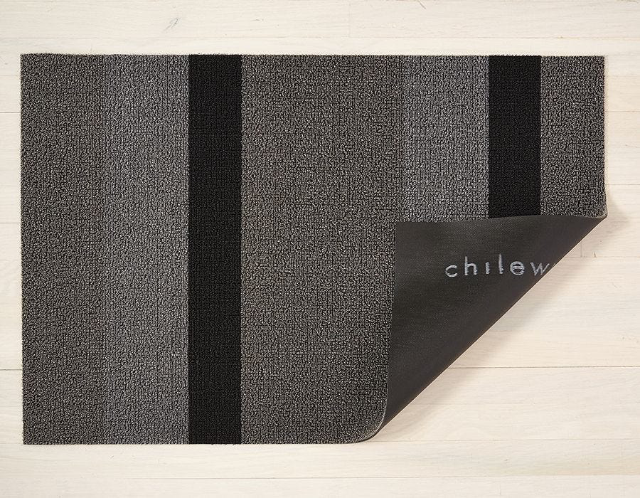 "Chilewich Bold Stripe Shag Doormat - Silver & Black 18"" x 28"""