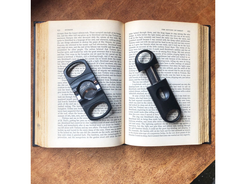 VSOL Cigar Cutters Pastic V-Cutter White