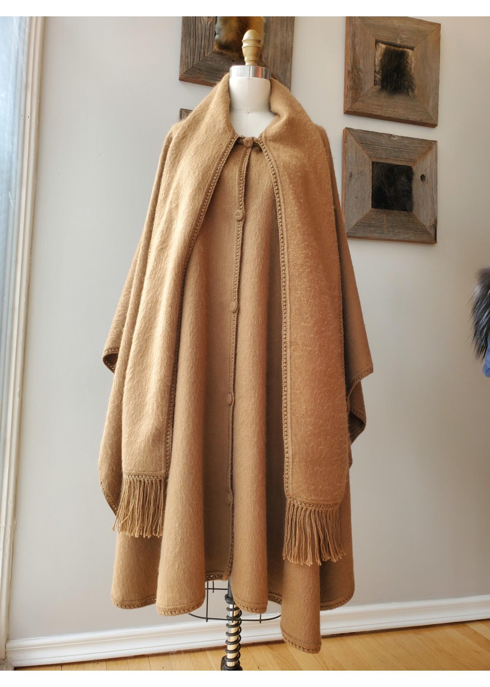 CLOTH CAPE A067