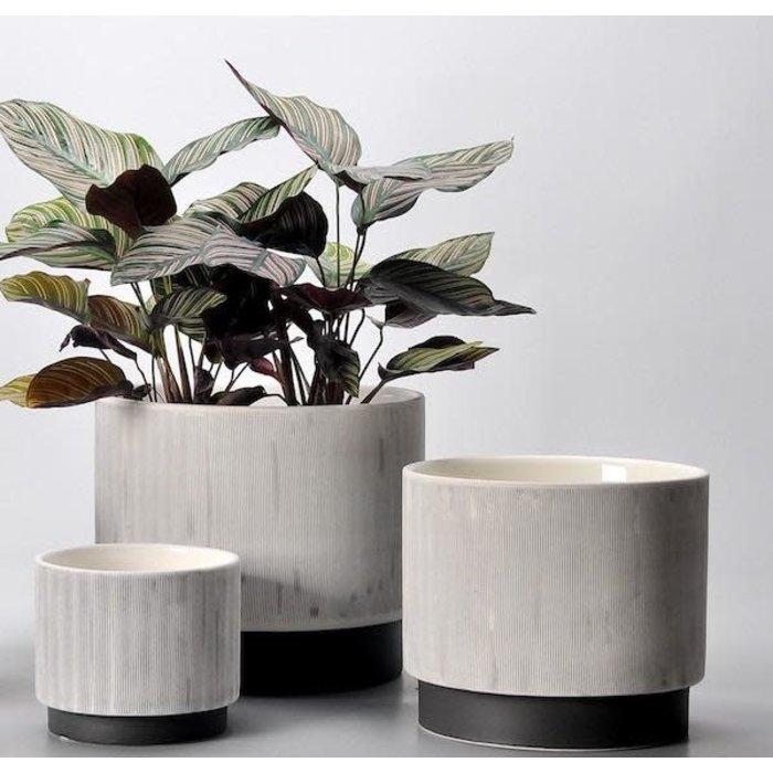 Pot Beckett Footed Cylinder Lrg 8.5x7.5 Gray/Black