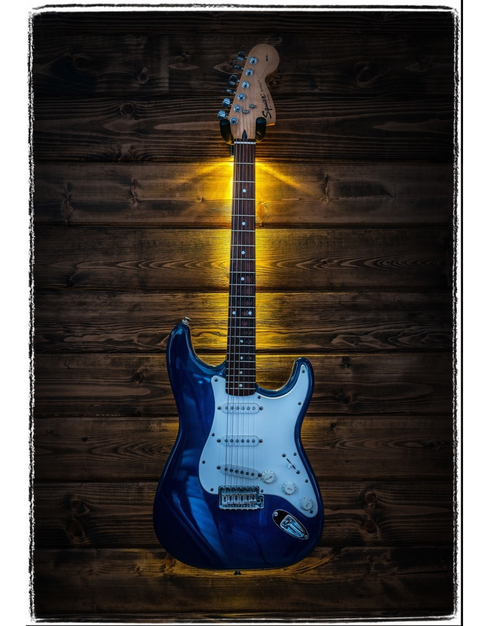 MuzicLight MuzicLight  Gutiar/Bass Wall Hanger White LED