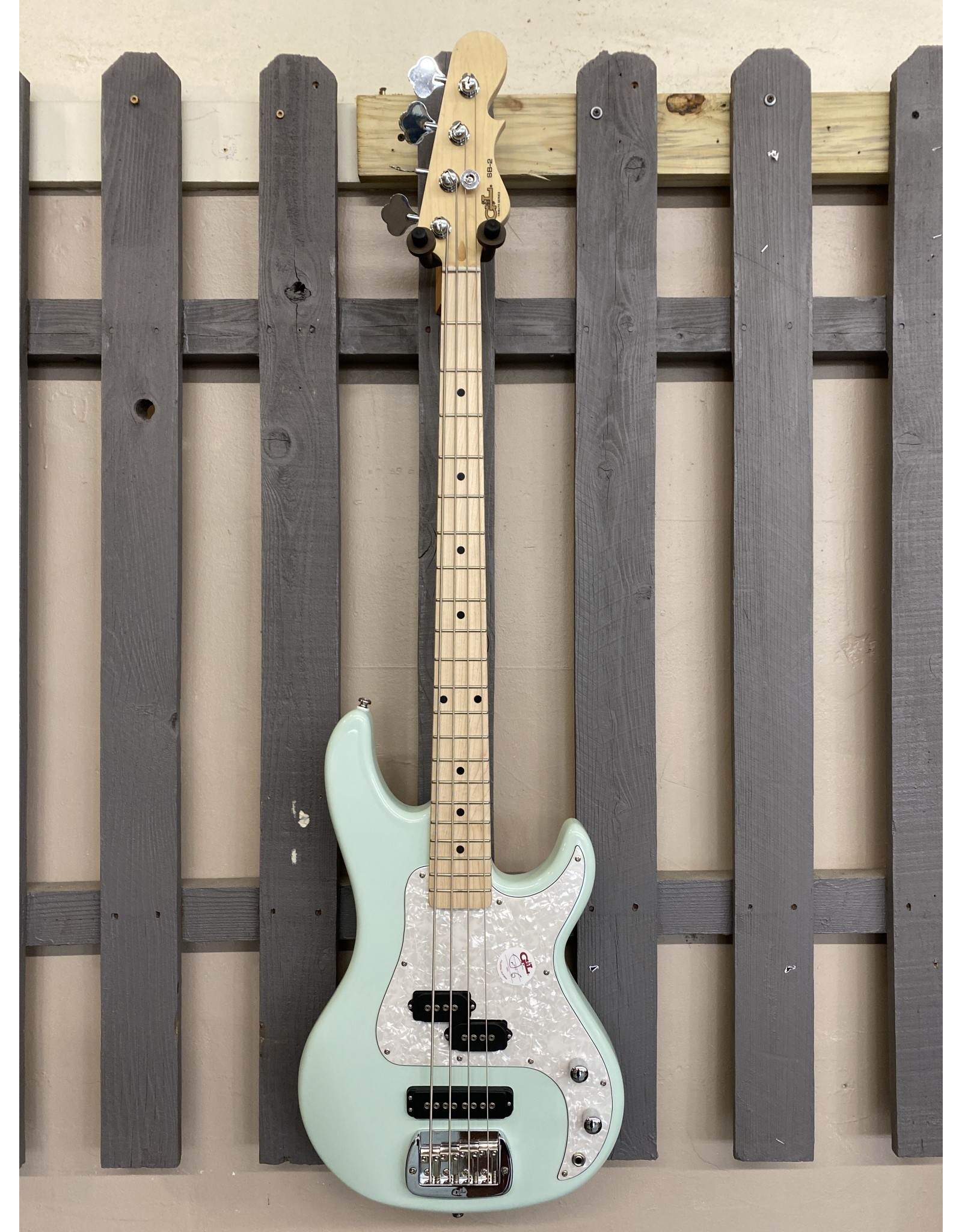 G&L G&L Tribute SB-2 Surf Green Bass Guitar