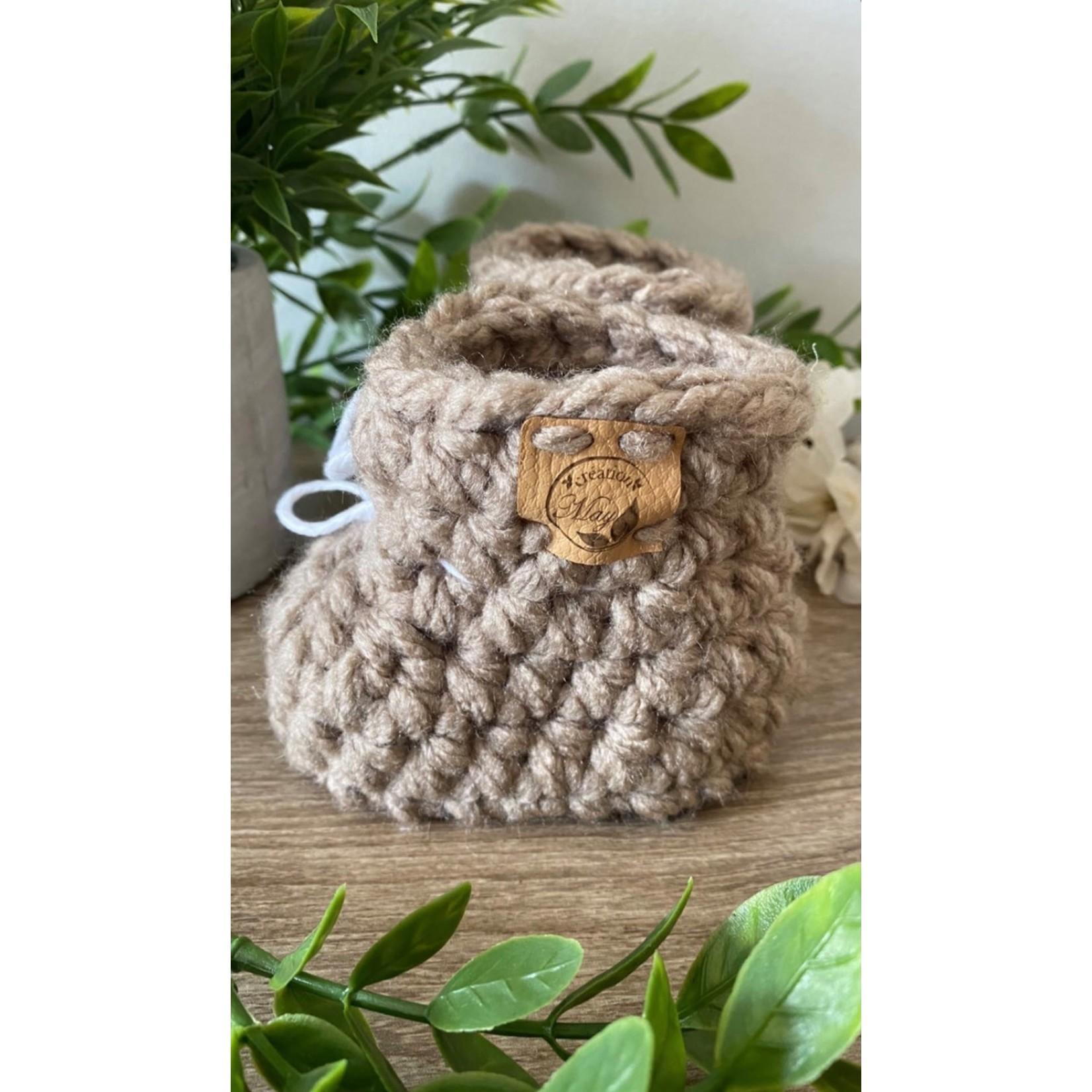 Création May    Pantoufles en tricot Taupe 0-6 m