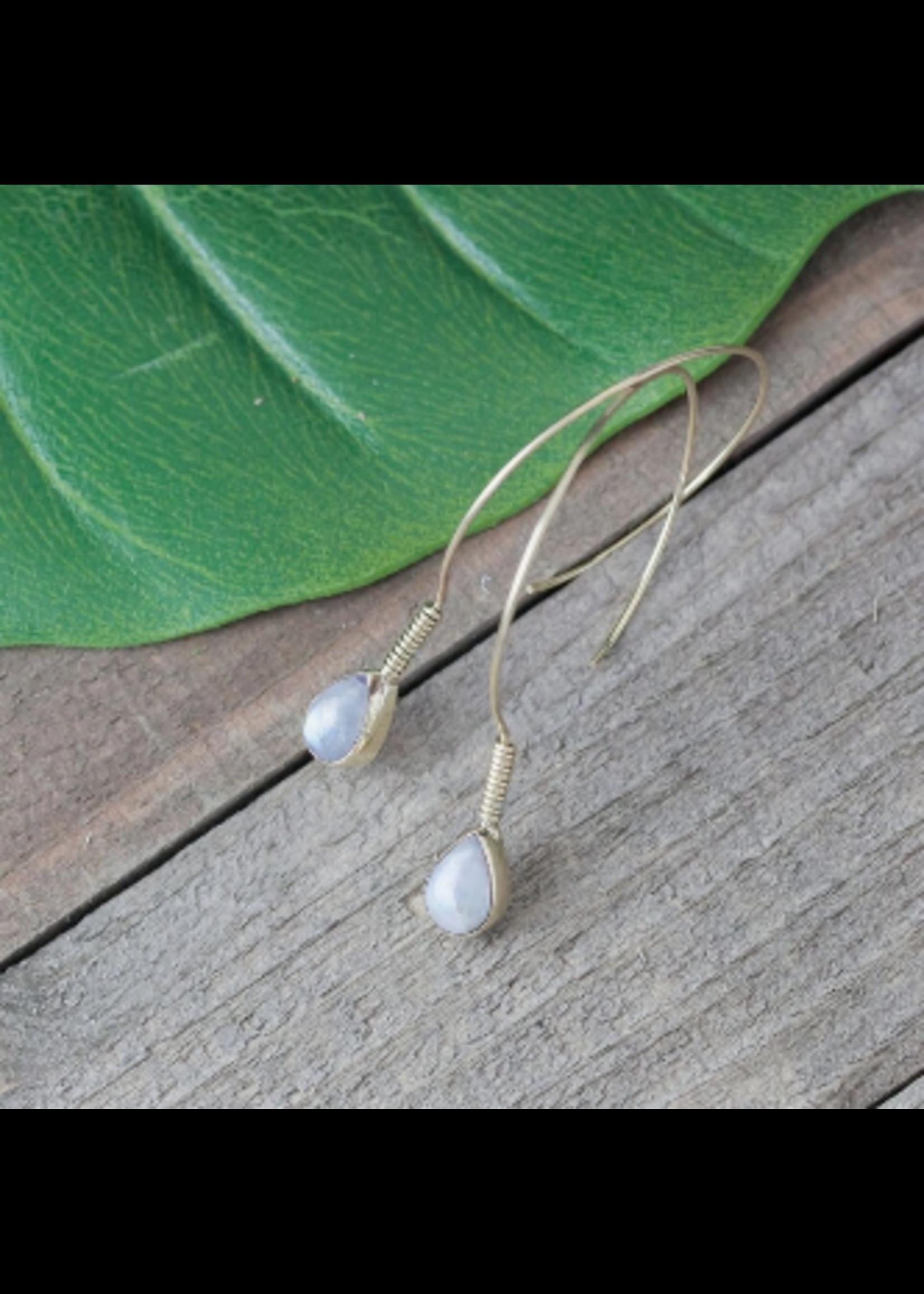 Baizaar Curled Stone Earring